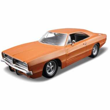 Modelauto dodge charger r/t 1:18