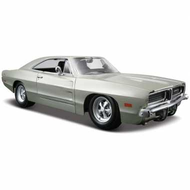 Modelauto dodge charger r/t 1969 1:24