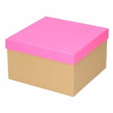 Neon roze cadeaudoosje 21 cm vierkant trend