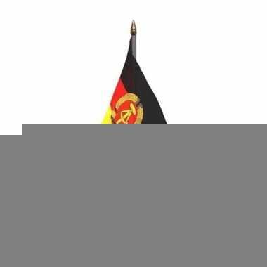 Oost duitsland tafelvlaggetje 10 x 15 cm met standaard