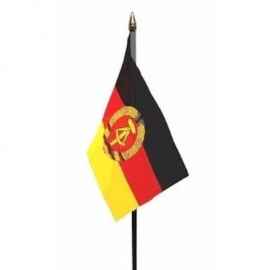 Oost duitsland vlaggetje met stokje