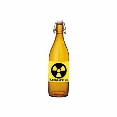 Oranje fles met gifdrank en radioactive etiket