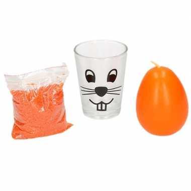 Oranje paasei kaarsje en zand in glas 11 cm