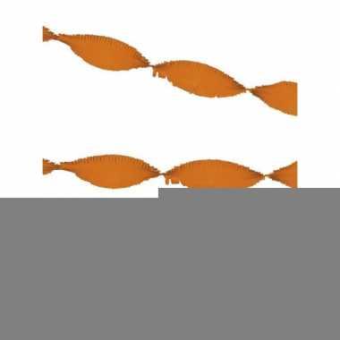 Oranjegekleurde crepe papier slingers 3x 5 meter