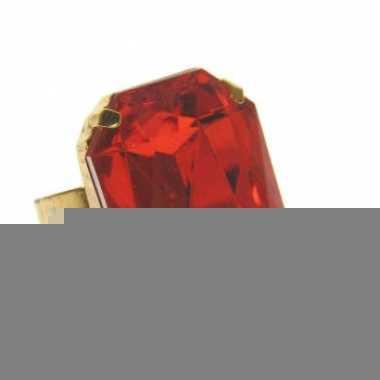 Rechthoekige sint nicolaas ring met rode steen