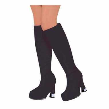 Schoenhoezen in de kleur zwart trend