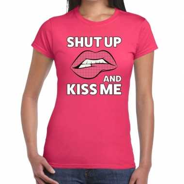 Shut up and kiss me t-shirt roze dames