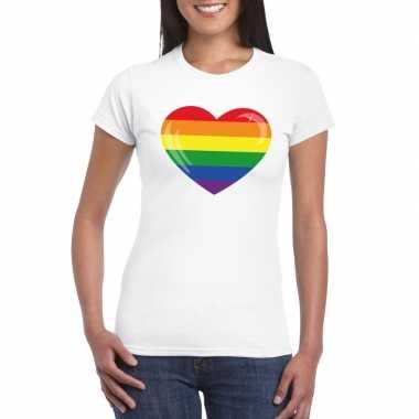 T-shirt met regenboog vlag in hart wit dames