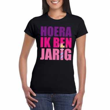 T-shirt zwart voor dames hoera ik ben jarig roze tekst