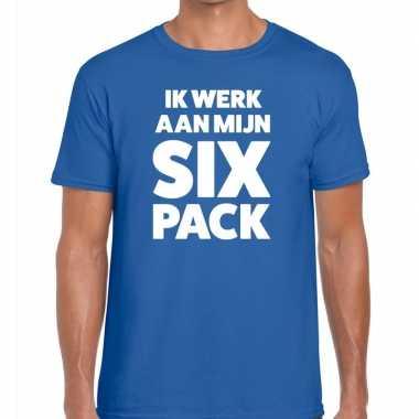 Toppers - ik werk aan mijn six pack heren t-shirt blauw