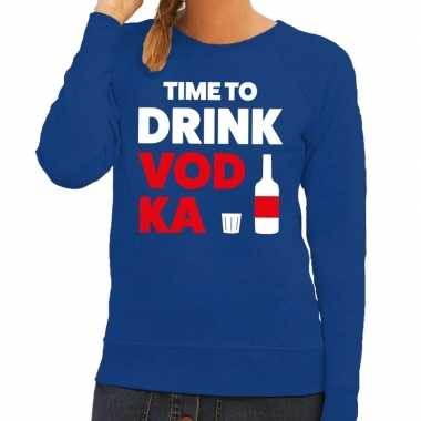 Toppers - time to drink vodka tekst sweater blauw voor dames