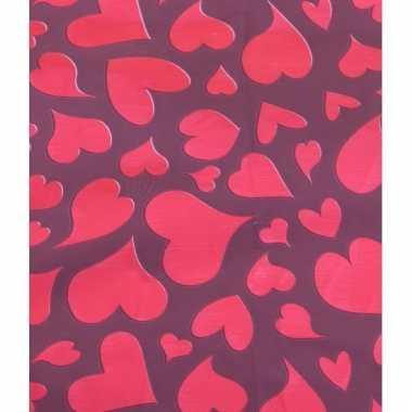 Valentijnsdag cadeaupapier met rode harten 70 x 200 cm trend