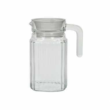 Waterkannetjes van glas
