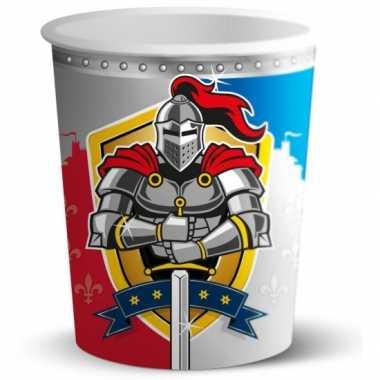 Wegwerp bekertjes ridder