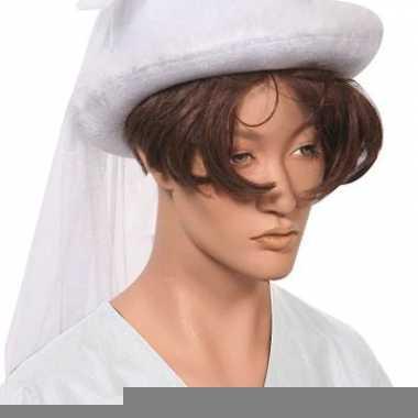 Witte bruidshoedjes met sluier