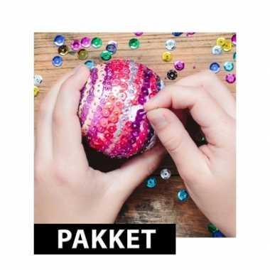 Zelf kerstballen maken met pailletten 10 cm