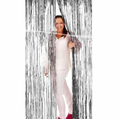 Zilveren deurgordijn van folie