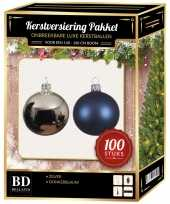 100 stuks kerstballen mix zilver donkerblauw voor 150 cm boom trend