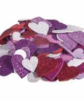100x zelfklevende hobby knutsel foam rubber hartjes met glitters trend