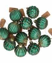 12x emerald groene glazen kerstballen met gouden decoratie 6 cm trend