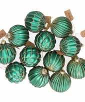 12x emerald groene glazen kerstballen met gouden decoratie 8 cm trend