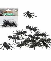 12x horror decoratie mieren van plastic 5 cm trend