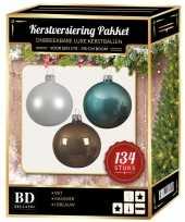 134 stuks kerstballen mix wit ijsblauw kasjmier voor 180 cm boom trend