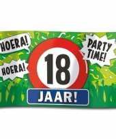 18e verjaardag straatvlag 100x150 cm trend