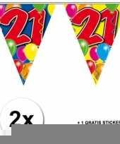 2 gekleurde vlaggenlijnen 21 jaar met sticker trend