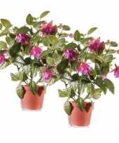2x fuchsia kunstplanten donkerroze bloemen in pot 30 cm trend