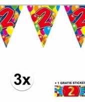 3 gekleurde slingers 2 jaar met sticker trend