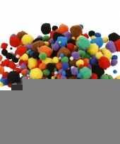 300x knutsel pompons 15 40 mm kleuren trend