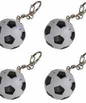 4x voetbal sleutelhangers met licht en geluid 3 5 cm trend