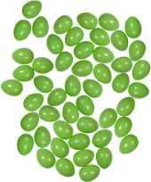 50x pastel groene kunststof eieren decoratie 6 cm hobby trend
