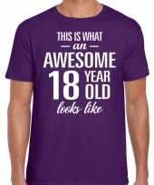Awesome 18 year 18 jaar cadeau t-shirt paars heren trend