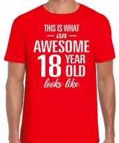 Awesome 18 year 18 jaar cadeau t-shirt rood heren trend