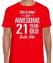 Awesome 21 year 21 jaar cadeau t-shirt rood heren trend