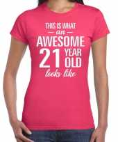 Awesome 21 year 21 jaar cadeau t-shirt roze dames trend