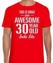 Awesome 30 year 30 jaar cadeau t-shirt rood heren trend