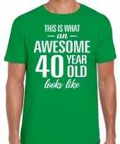 Awesome 40 year 40 jaar cadeau t-shirt groen heren trend
