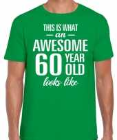 Awesome 60 year 60 jaar cadeau t-shirt groen heren trend