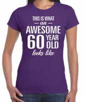 Awesome 60 year 60 jaar cadeau t-shirt paars dames trend