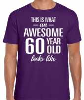 Awesome 60 year 60 jaar cadeau t-shirt paars heren trend