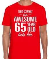 Awesome 65 year 65 jaar cadeau t-shirt rood heren trend