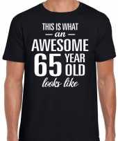 Awesome 65 year 65 jaar cadeau t-shirt zwart heren trend