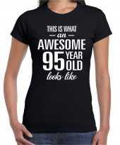 Awesome 95 year 95 jaar cadeau t-shirt zwart dames trend