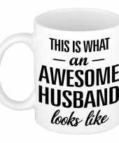 Awesome husband echtgenoot cadeau mok beker 300 ml trend