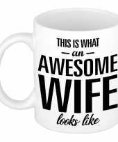 Awesome wife echtgenote cadeau mok beker 300 ml trend