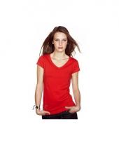 Basic dames t-shirt v hals bodyfit rood trend