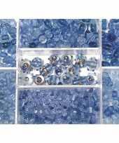 Bewaardoosje met lichtblauwe glaskralen trend